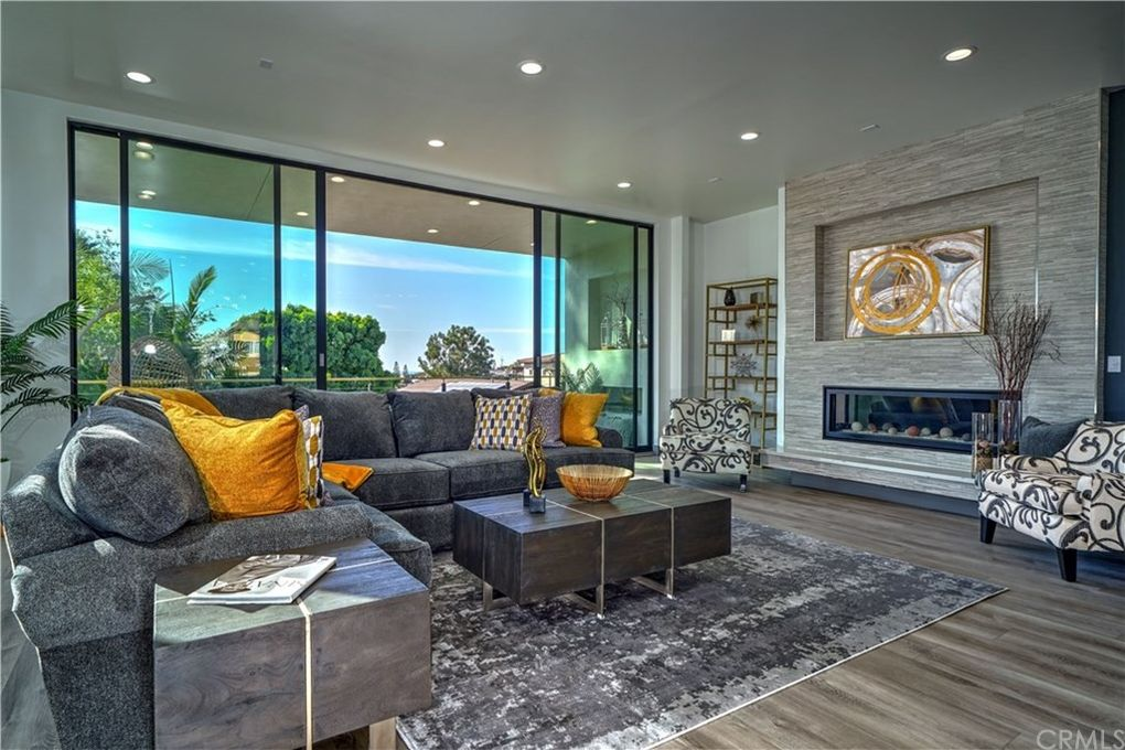Home Staging Services san diego living room and dining