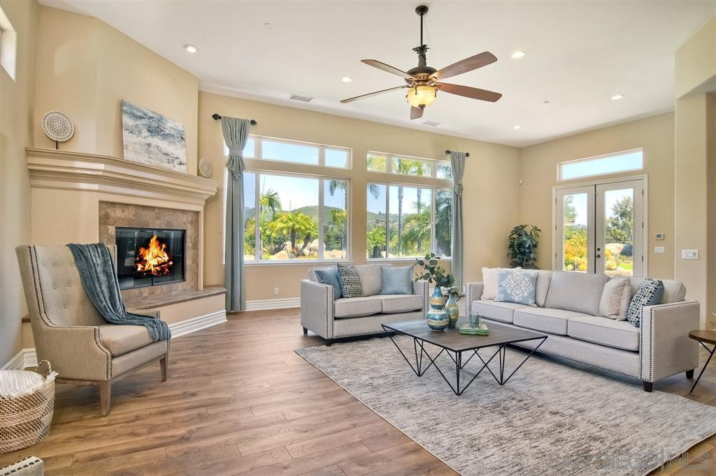Family-Room-Lake-Poway-Rd-Poway